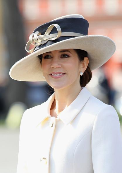 Princess+Mary+Prince+Wales+Duchess+Cornwall+_c2Giy40NLxl